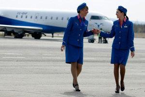 Сколько зарабатывают стюардессы в иностранных авиакомпаниях