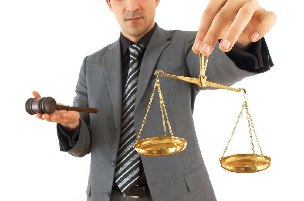 Сколько в среднем зарабатывает российский адвокат