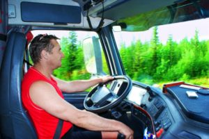 Сколько получают дальнобойщики за километр в России?