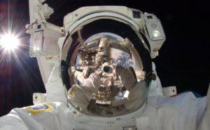 Зарплата космонавта в России в месяц