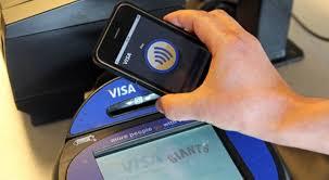 как расплачиваться айфоном вместо банковской карты